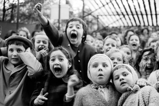 Children at the Tuileries Puppet Theatre, by Alfred Eisenstaedt, 1963