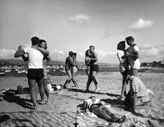 Glendale Junior College Students on Balboa Beach, by Peter Stackpole, 1947